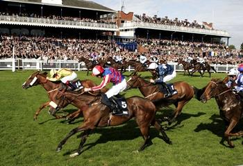14 Temmuz Salı Birleşik Krallık Ayr yarış programı ve erken bahis oranları belli oldu