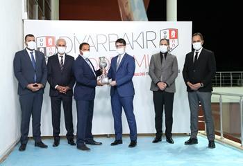 Diyarbakır Vali Koşusu'nu Oğlumrecep kazandı